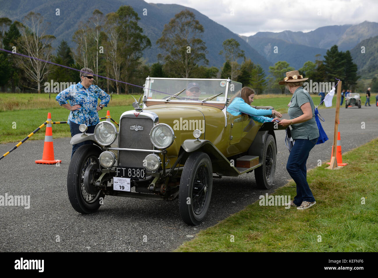 HAUPIRI, NEW ZEALAND, MARCH 18, 2017: Contestants in a vintage car ...