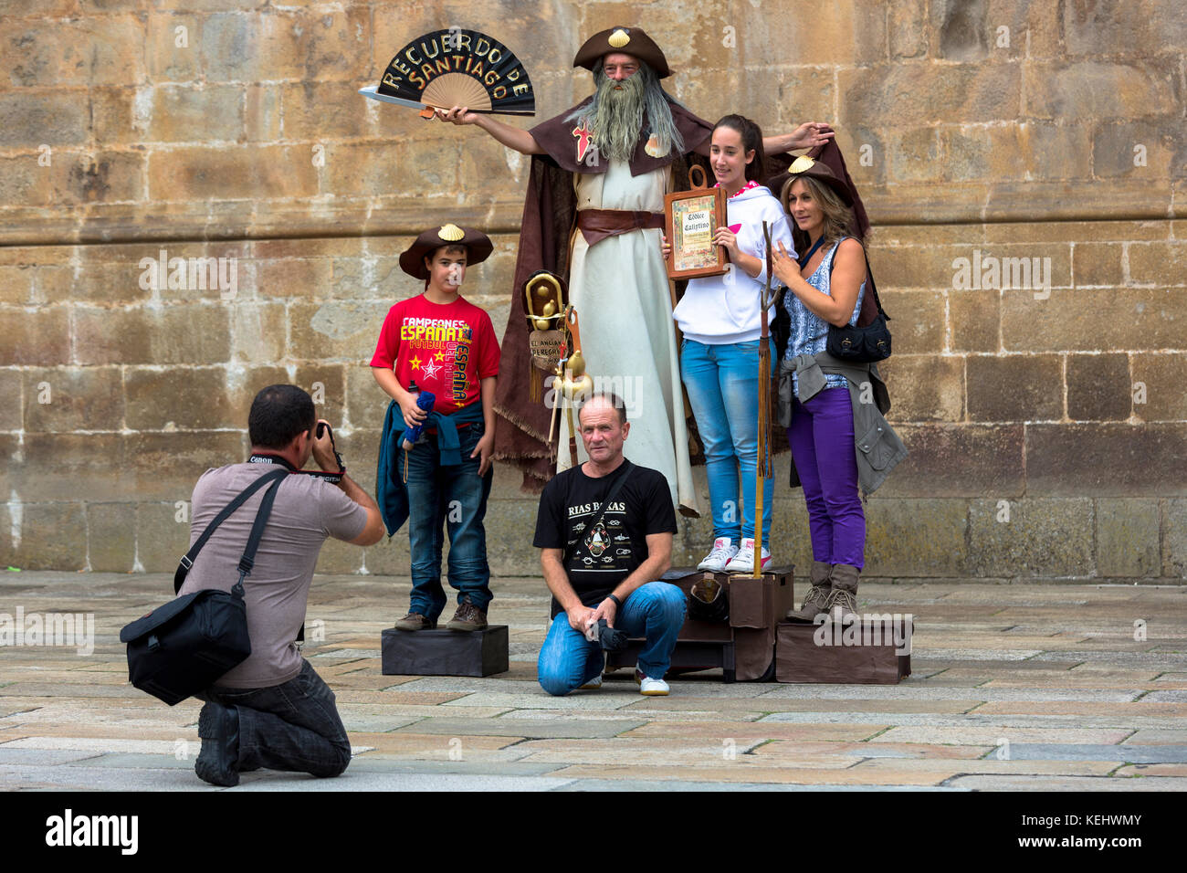santiago de compostela black dating site Classic french way - full camino this is the iconic camino de santiago route, extending 480 miles / 770 km, from the french pyrenees to santiago de compostela.