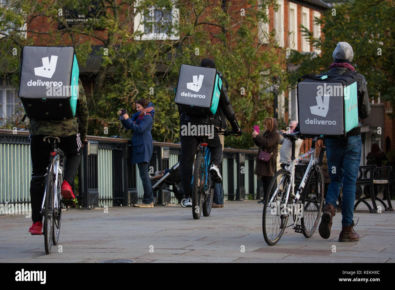 Deliveroo Rider Stock Photos  amp  Deliveroo Rider Stock . 61c64dbaa