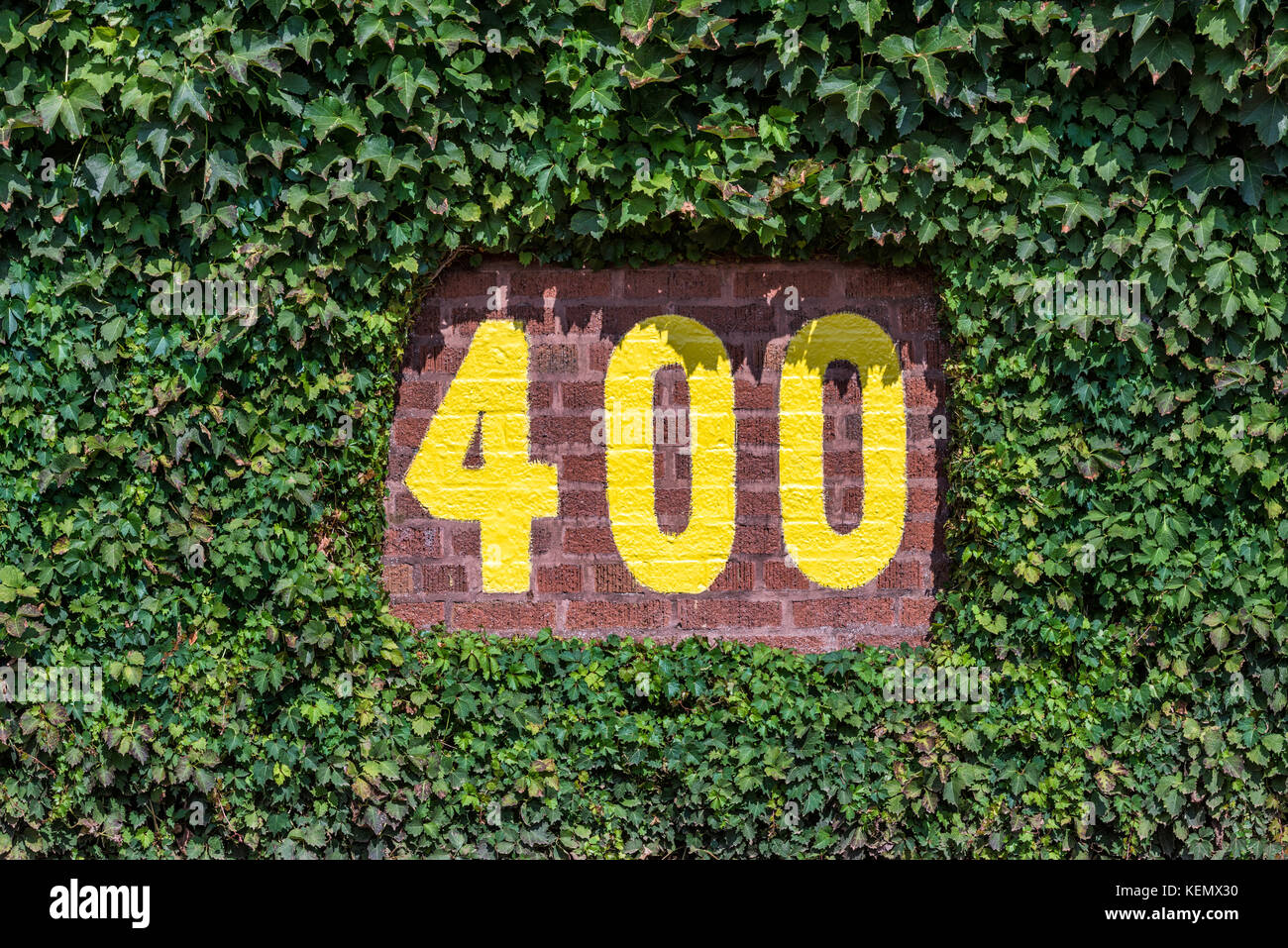 400 feet sign on the centerfield wall of wrigley field in chicago 400 feet sign on the centerfield wall of wrigley field in chicago illinois buycottarizona Images