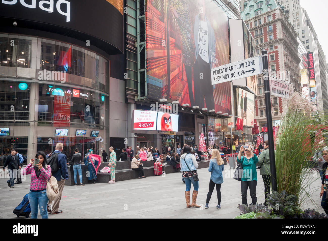 At the fitbit ipo celebration at new york stock exchange on thursday - The Video Screen Of The Nasdaq Exchange In New York Displays A Welcome For The Game