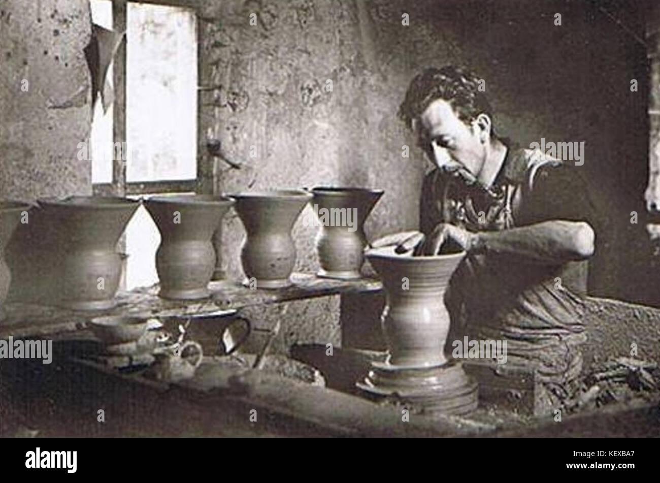 Dieulefit stock photos dieulefit stock images alamy - Fabriquer un tour de potier ...