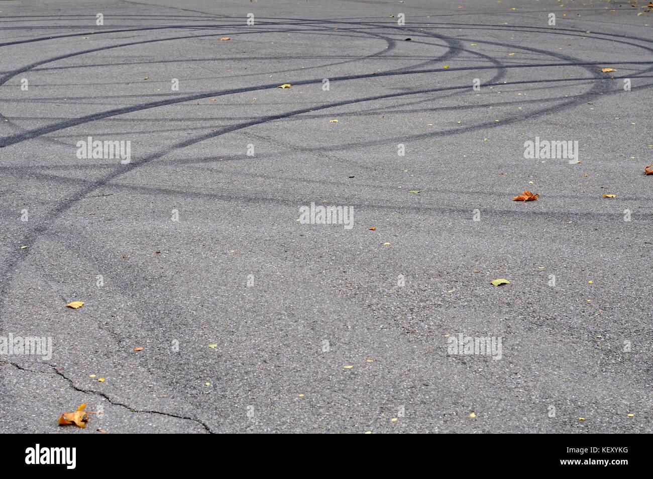 skid marks on asphalt road stock photo 164090964 alamy