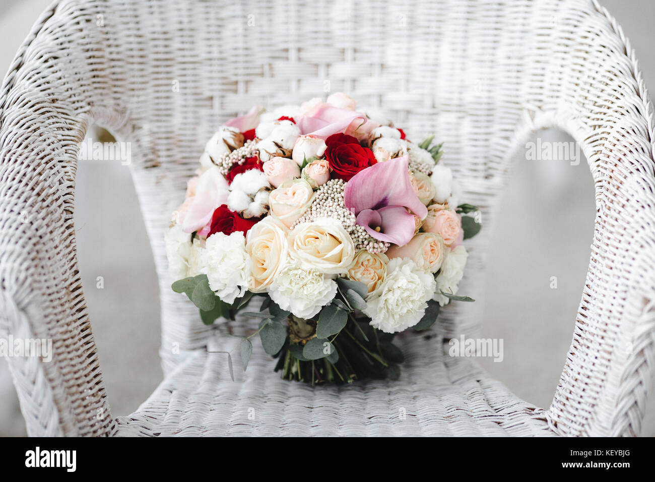 Pink wedding bouquet with cotton flowers. Wedding details Stock ...