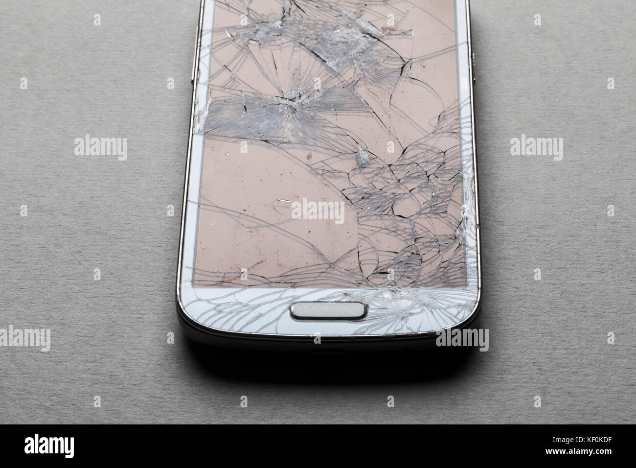 how to fix a shattered smartphone screen