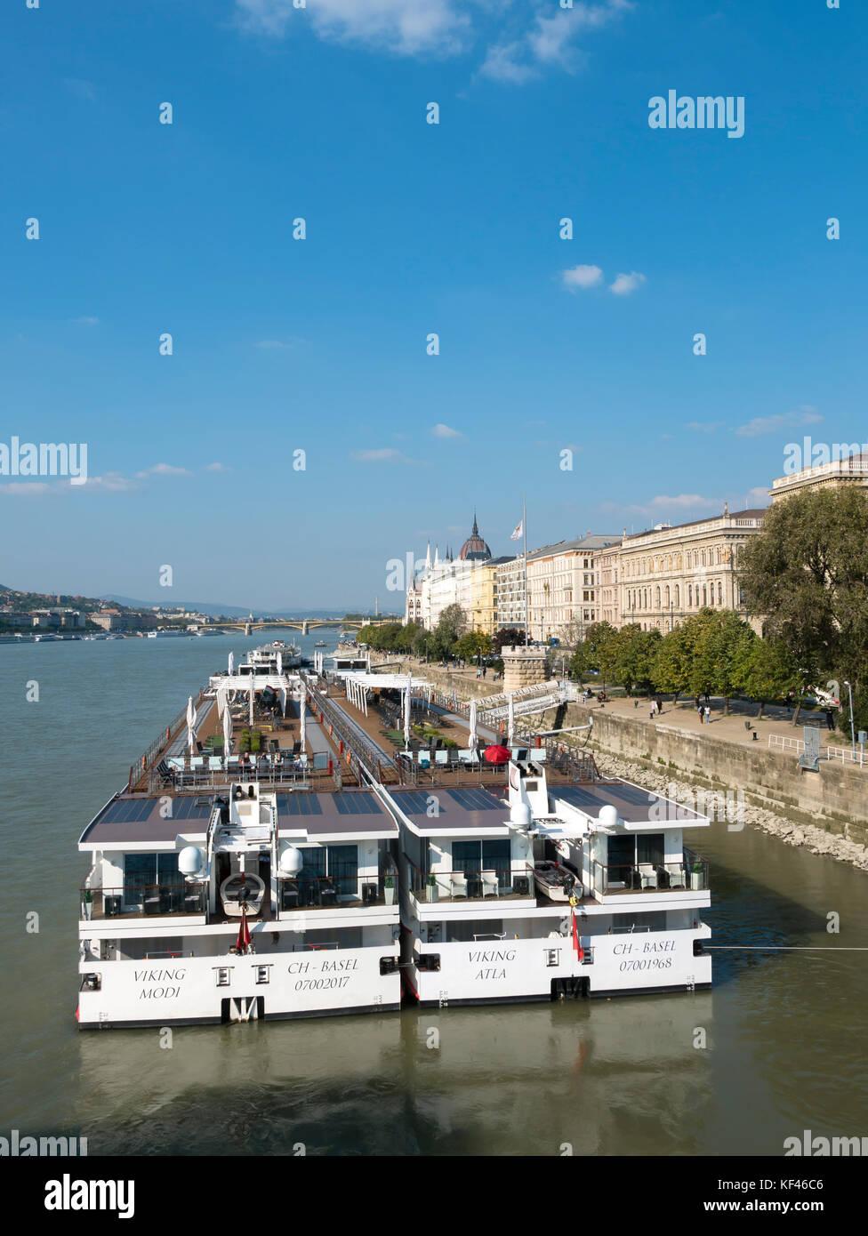 Budapest Danube Cruise Stock Photos Amp Budapest Danube