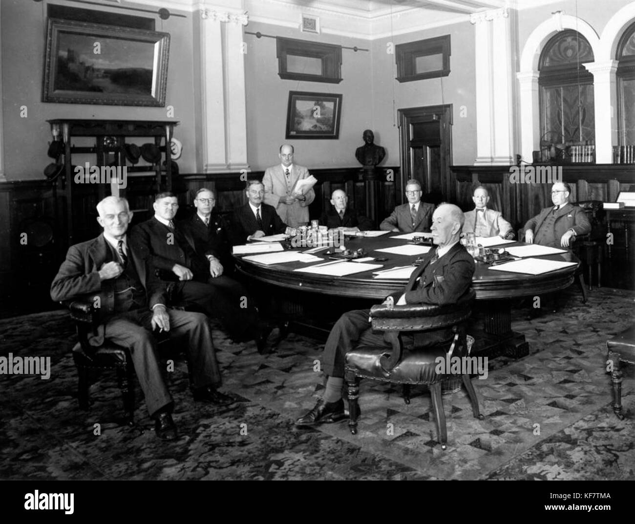 1 104296 Meeting Of The Hanlon Government At Queensland Parliament House