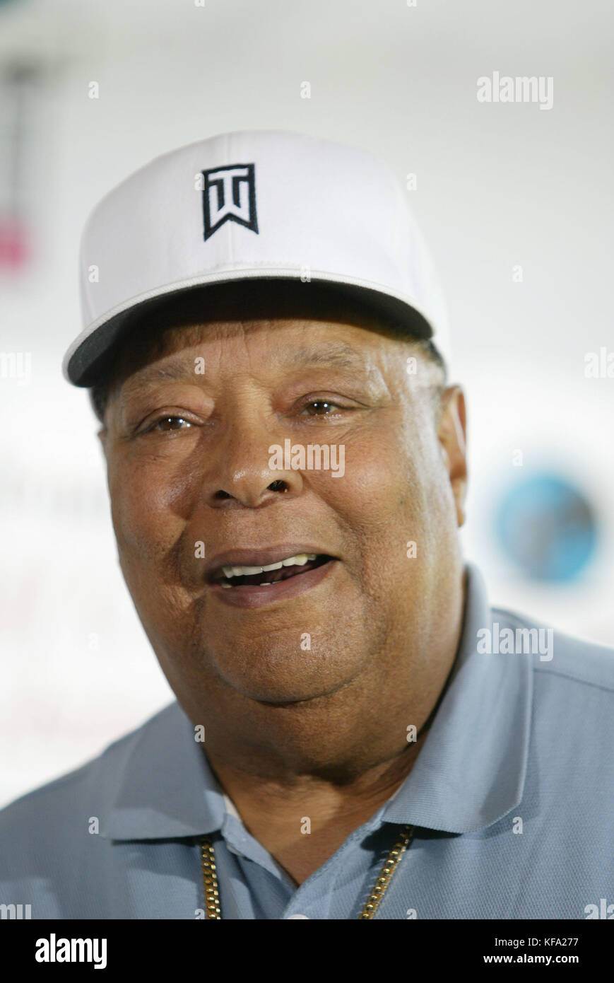 Earl Woods, Tiger's Dad: 5 Fast Facts You Need to Know