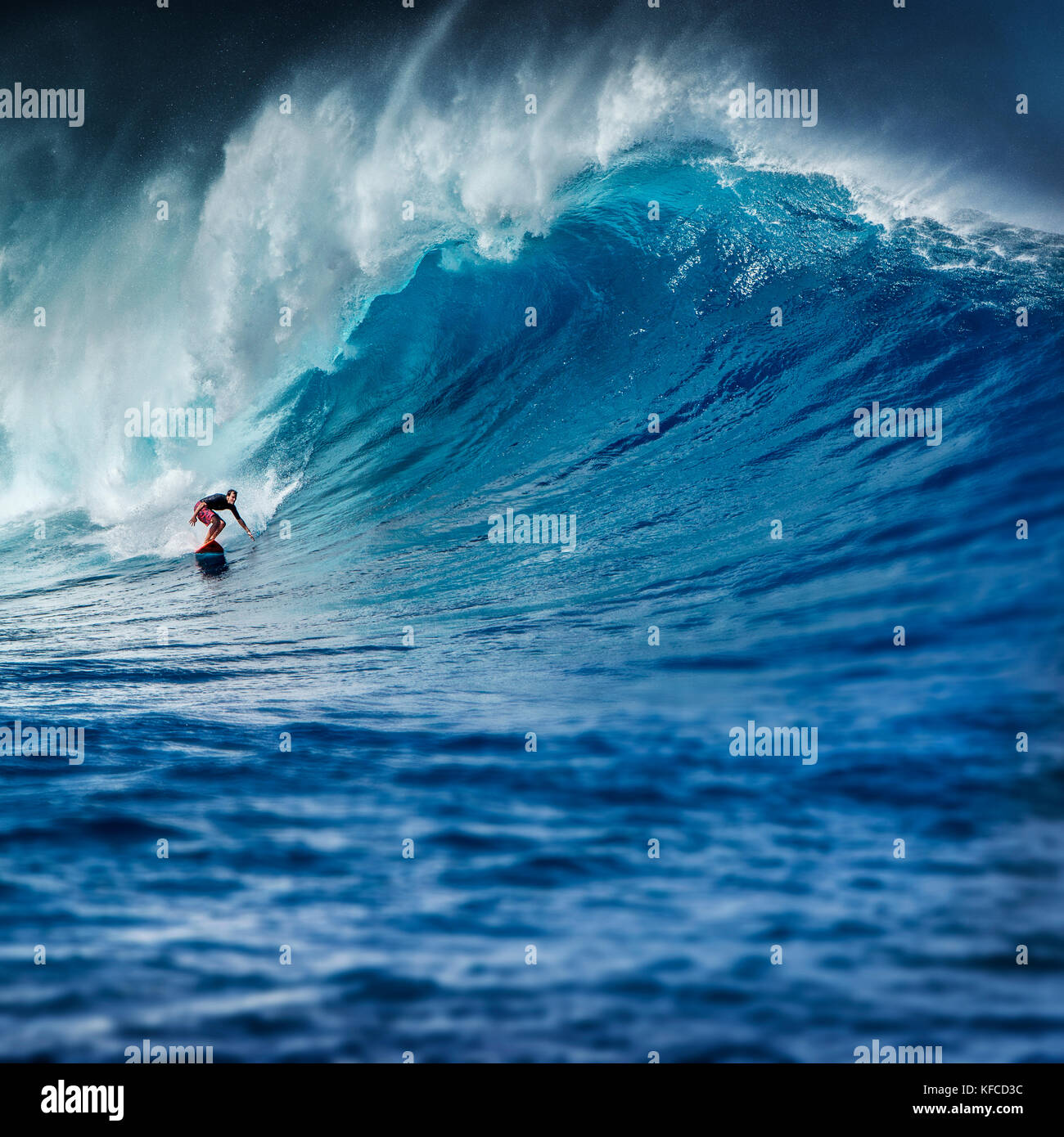 Usa Hawaii Maui Surfer Mike Pietsch Surfs A Giant Wave At