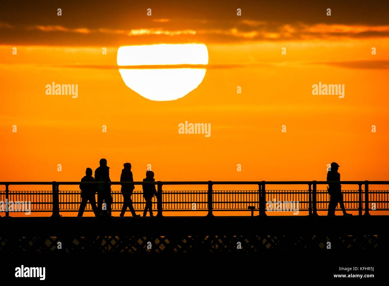 Southport, Merseyside, Sunset over Southport Pier. 29th October ...