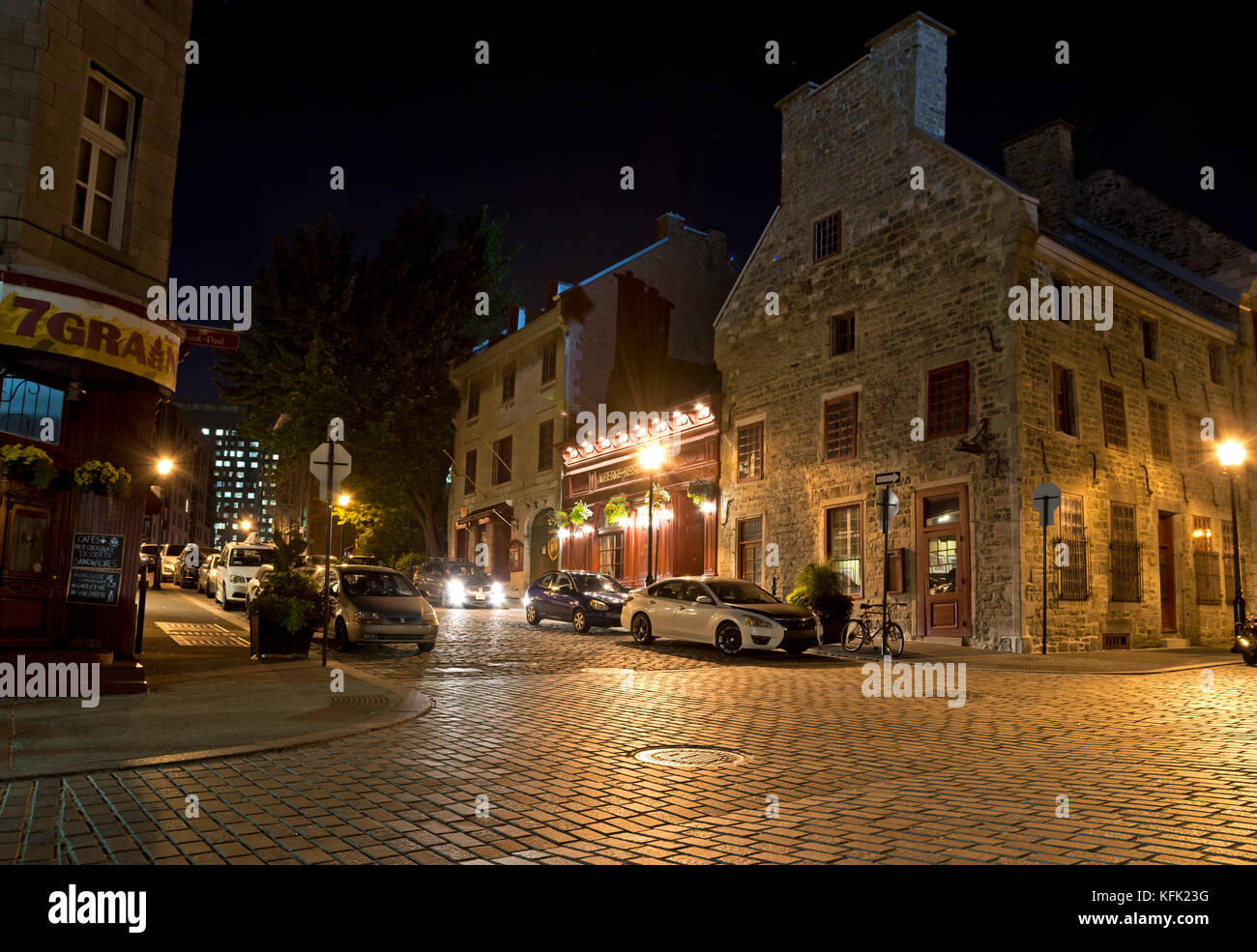 streets-of-old-montreal-at-night-vieux-m
