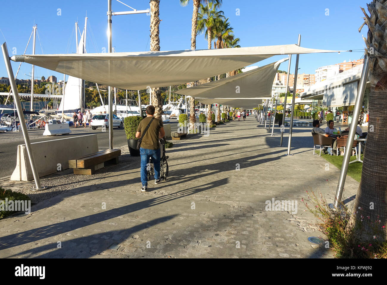Sun screens stock photos sun screens stock images alamy - Stock uno alicante ...