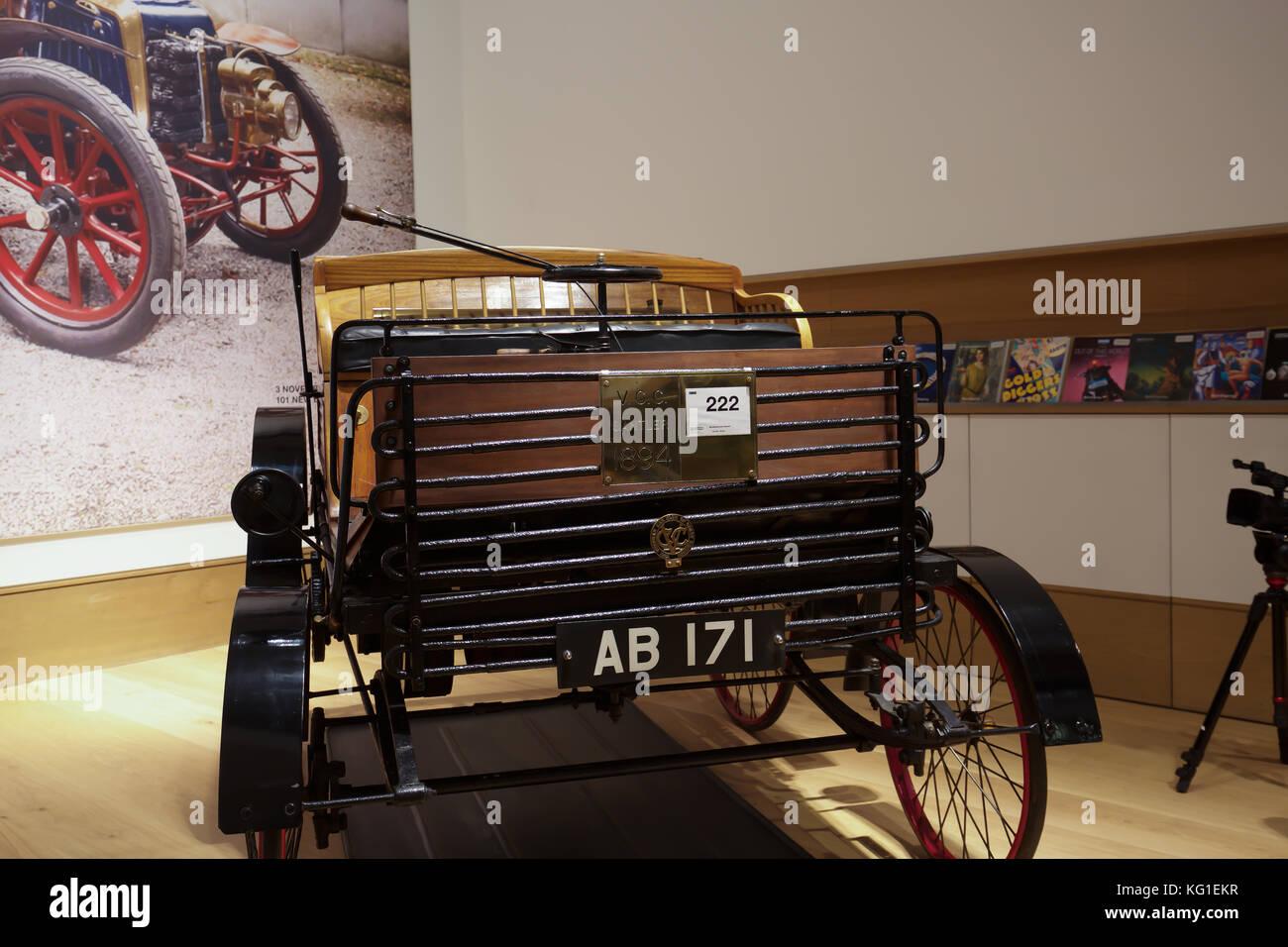 London, UK. 2nd Nov, 2017. Bonhams, London to Brighton Veteran car ...