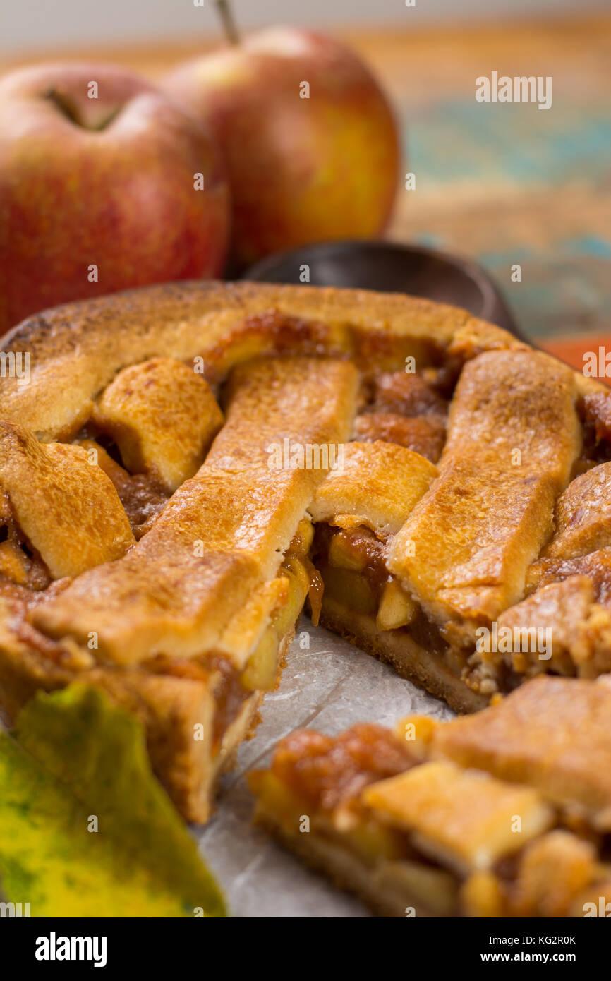 Пирог «Золотые яблоки»