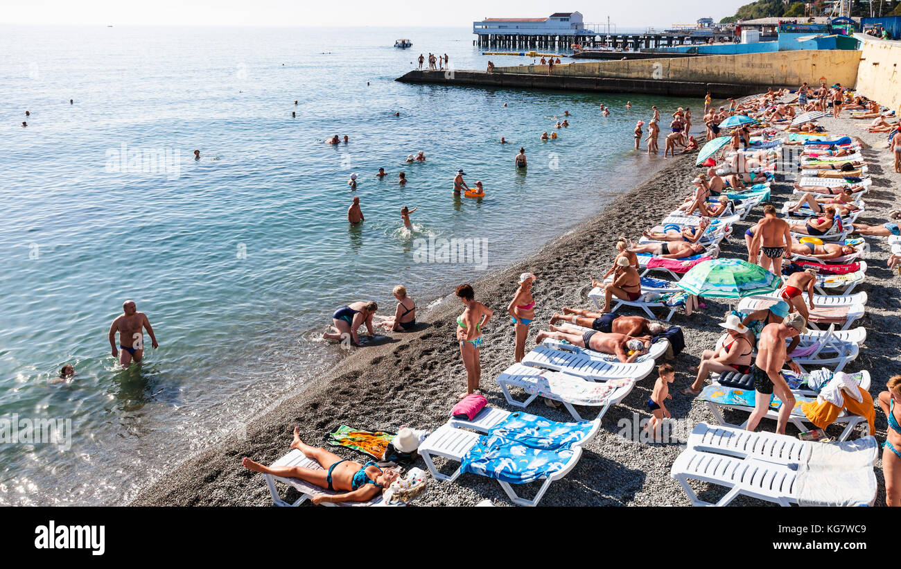 Southern coast of Crimea, Alushta. Beaches, vacation by the sea. Guest reviews. Alushta: Hotels with a private beach 4