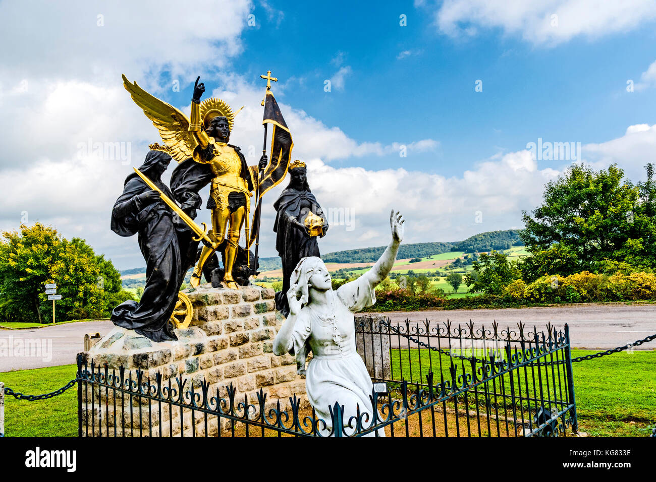 la pucelle joan of arc Joan of arc when joan of arc was born the hundred years war was over half way over she was considered a french saint, a national heroine, and was called the maid of orleans she was born to peasant parents in domremy-la-pucelle in france in 1412.