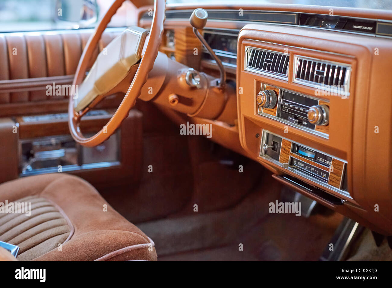 classic american car dash board stock photos classic american car dash board stock images alamy. Black Bedroom Furniture Sets. Home Design Ideas