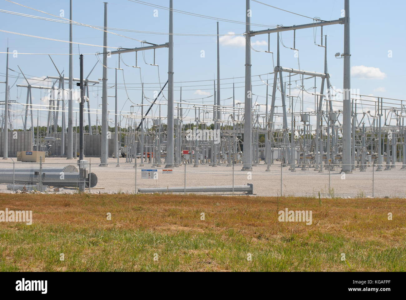 electrical substation Specifications transport substation, composed of 7 bays set out in a one-and-a- half breaker arrangement for a working voltage of 430 kv and a transport.