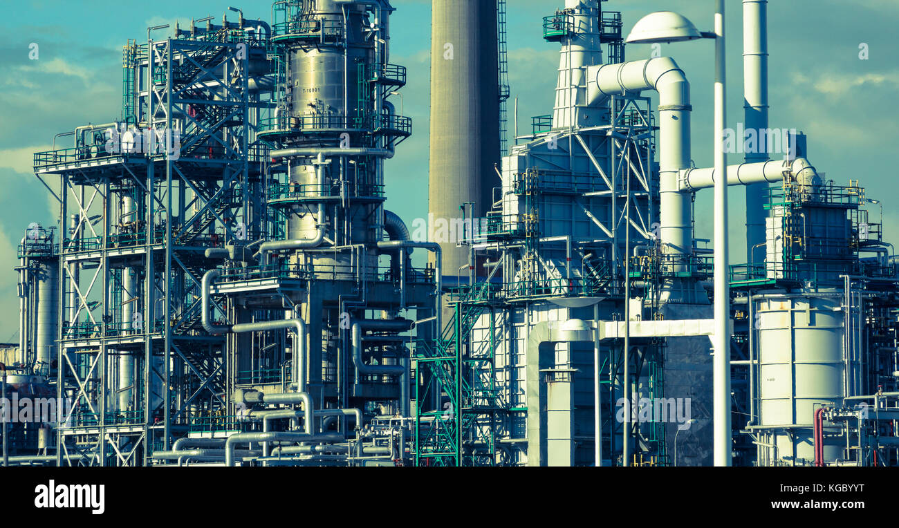 background of industry refining The purpose of this report is to provide background information for revisions to the emission factors and descriptions of the industry and its processes for ap-42 section 126, primary lead smelting and refining .