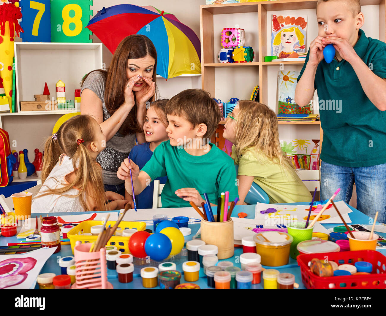 Finger paint hand mom stock photos finger paint hand mom for Kids painting class