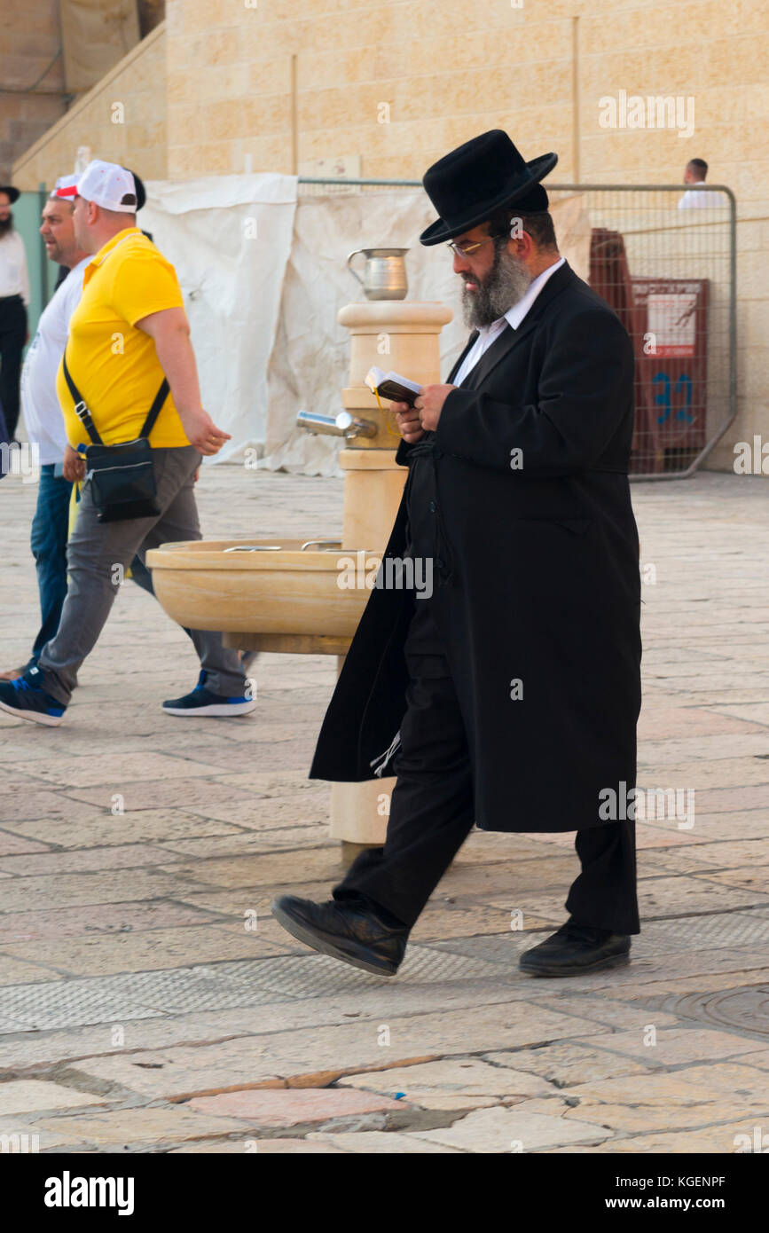 Httpwww Overlordsofchaos Comhtmlorigin Of The Word Jew Html: Fat Suits Stock Photos & Fat Suits Stock Images