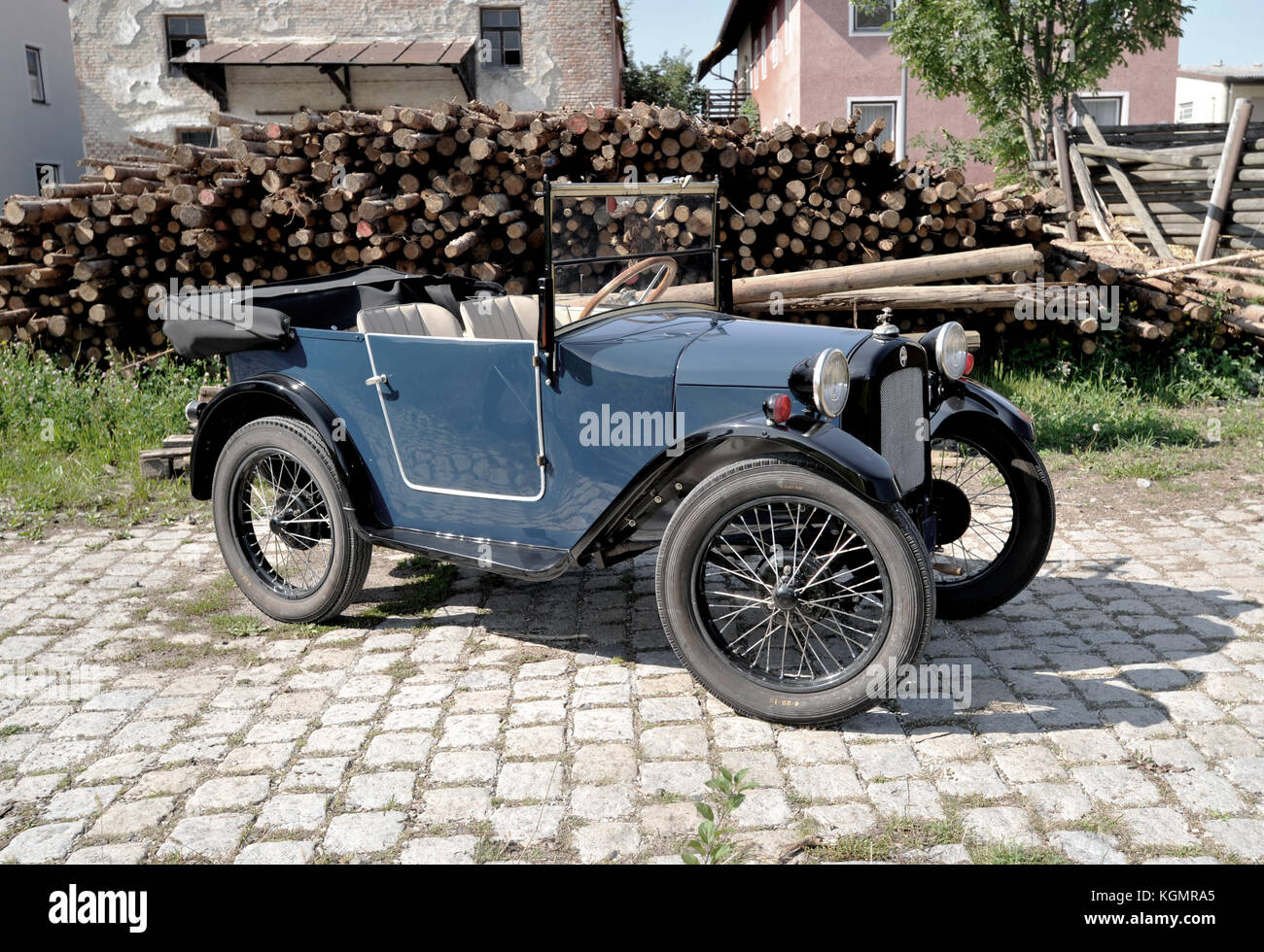 First Vehicle Combustion Engine Stock Photos & First Vehicle ...