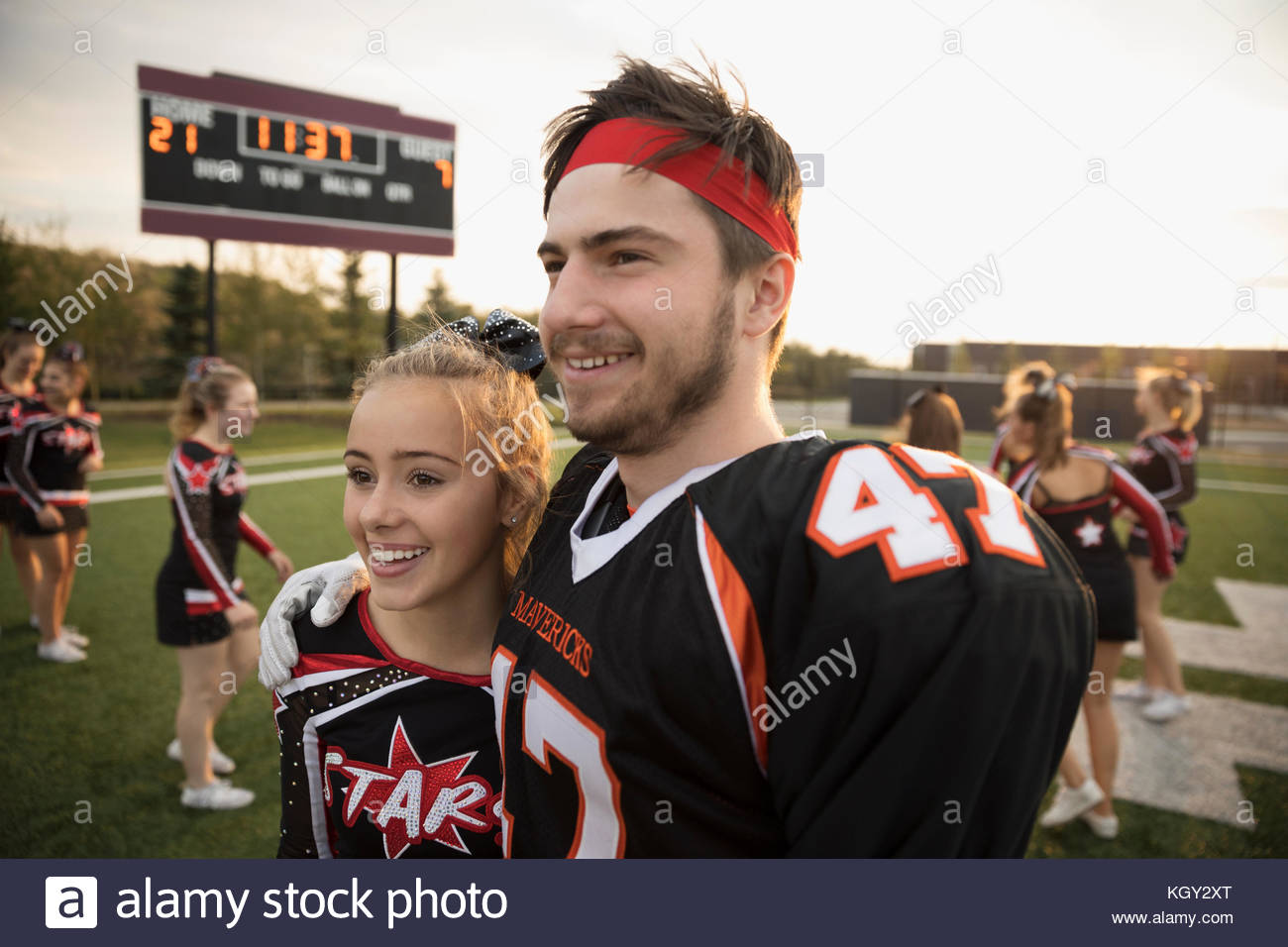 Cheerleaders dating football players