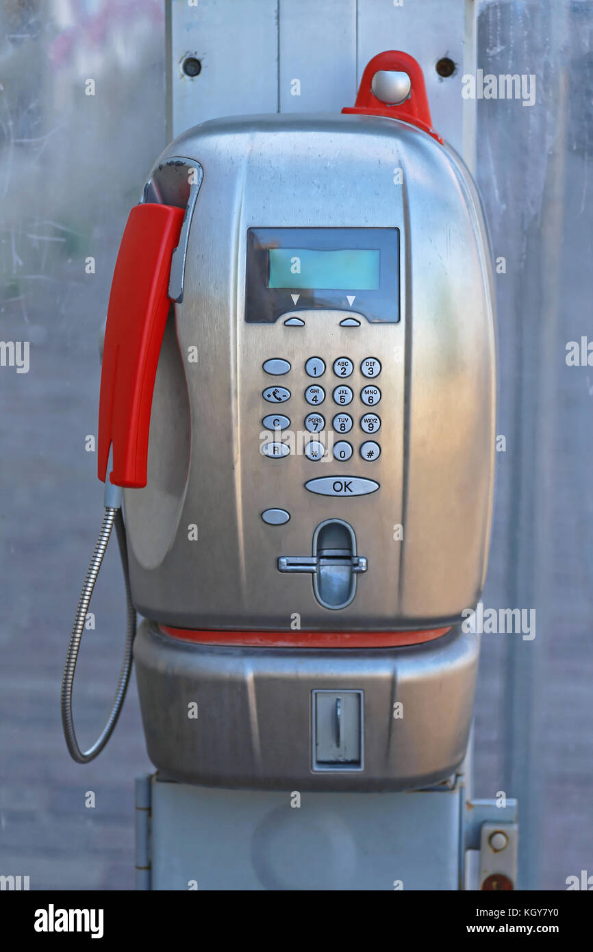 modern public payphone calling card in italy - Payphone Calling Cards