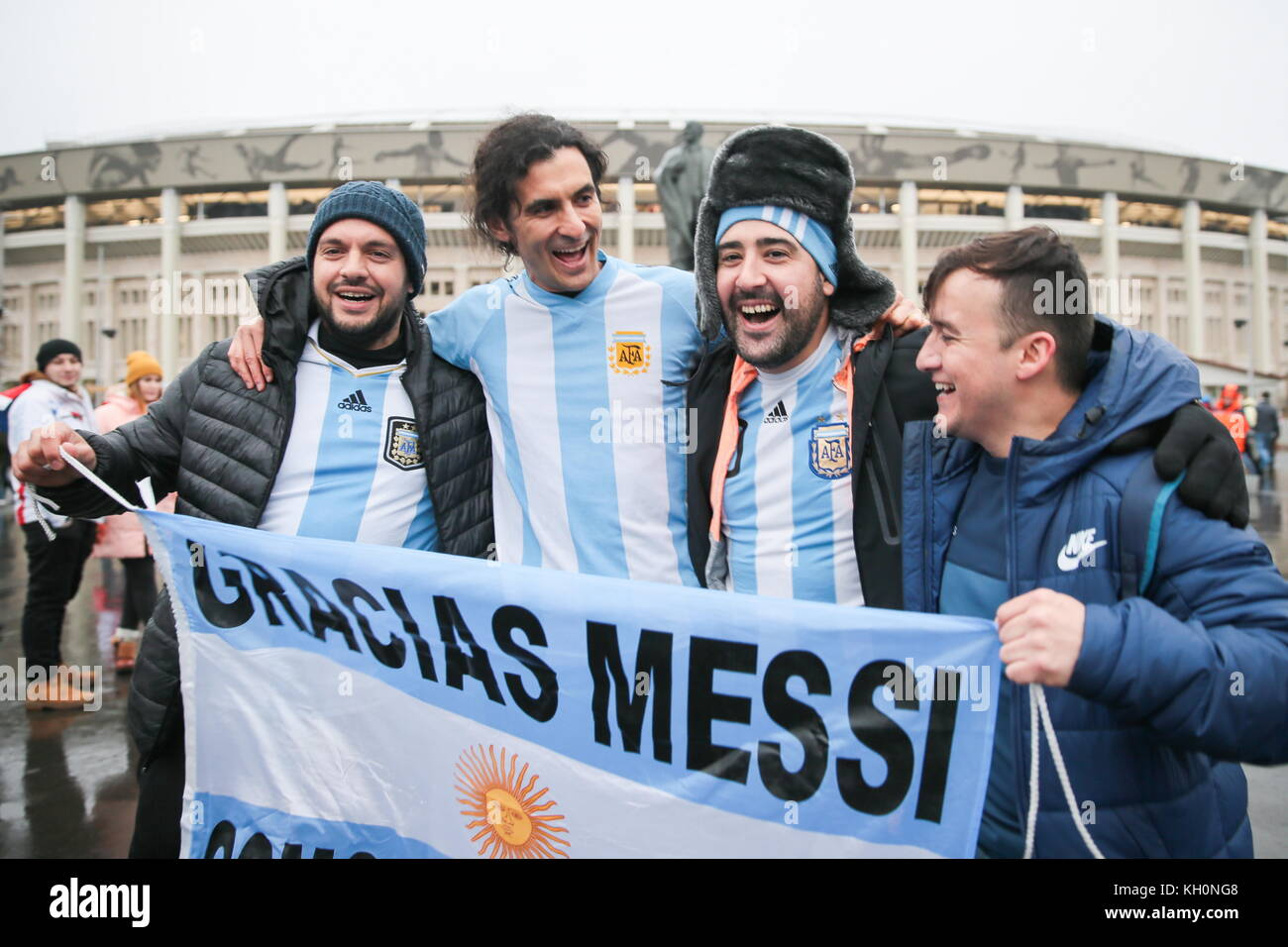 a discussion on football fans I am an unabashed football fan, but i do not write this article as a fan—rather, as a  christian pastor and a seminary professor this discussion of.