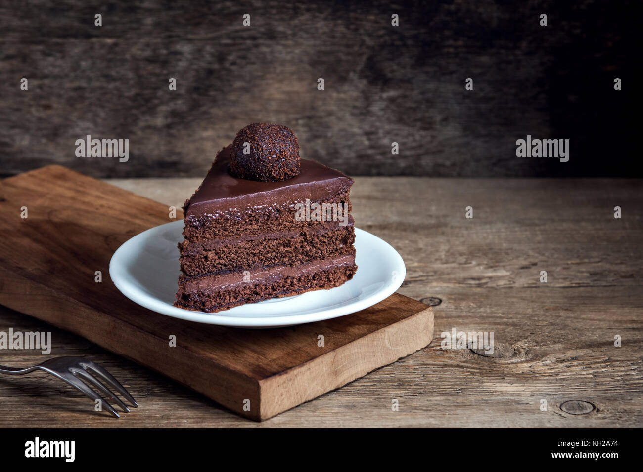 Recipe For Homemade Currant Cake With Cocoa Powder