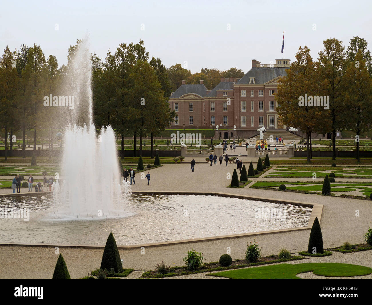 Palace het Loo of the Dutch Royal Family is open to the public Stock ...
