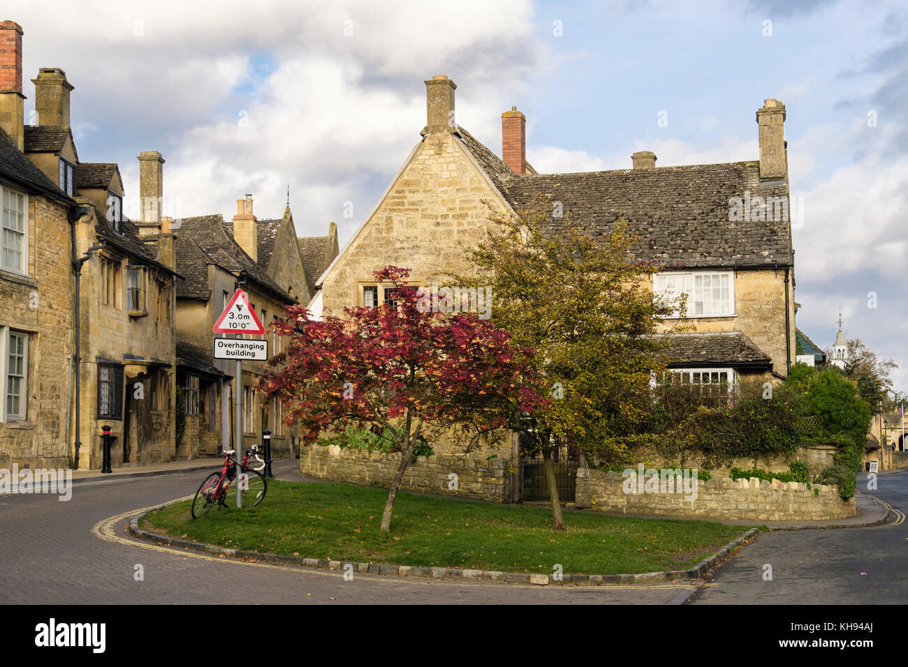 Cotswold Stone Building Stock Photos Amp Cotswold Stone