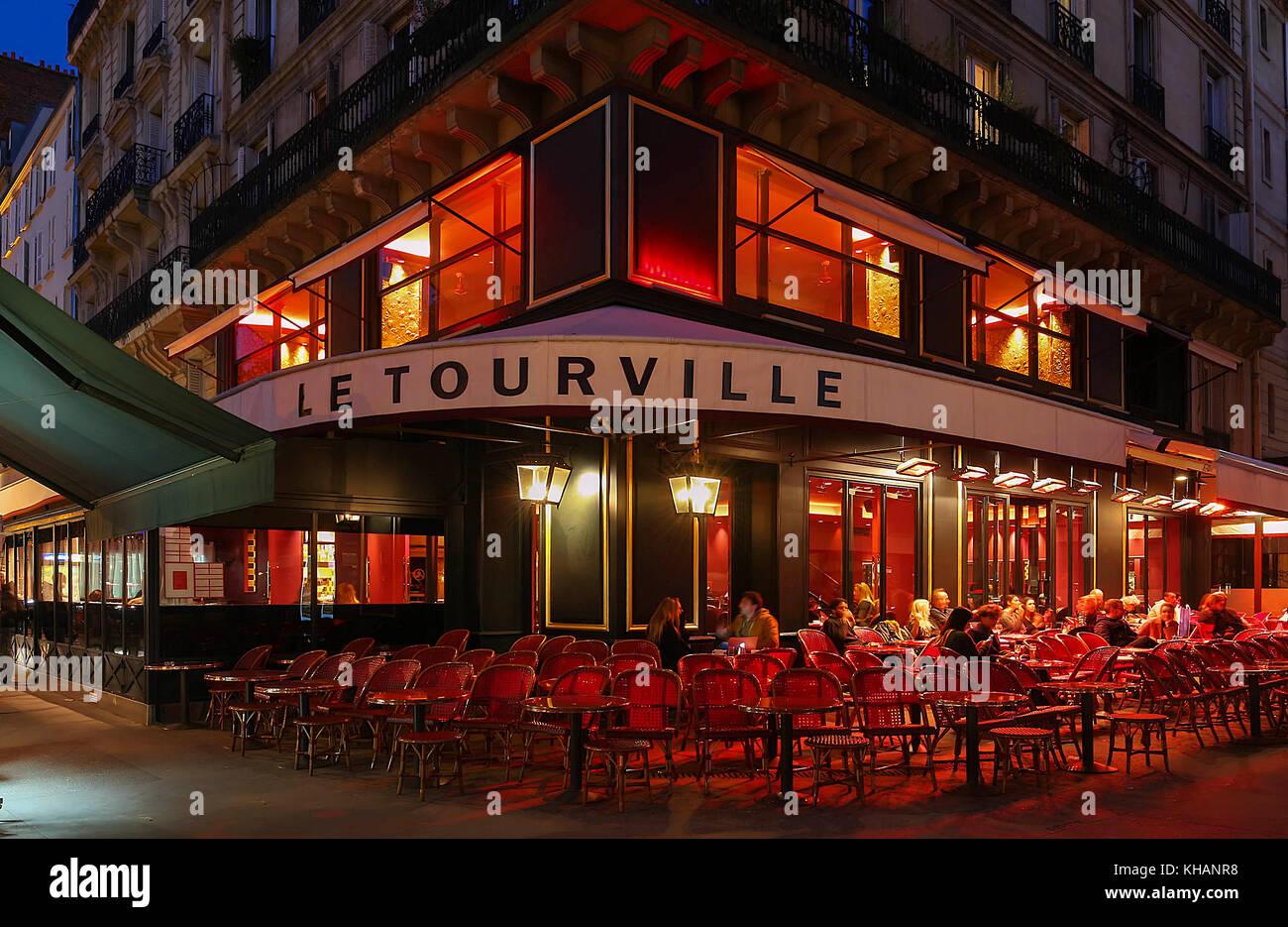 paris cafe eiffel tower stock photos paris cafe eiffel tower stock images alamy. Black Bedroom Furniture Sets. Home Design Ideas