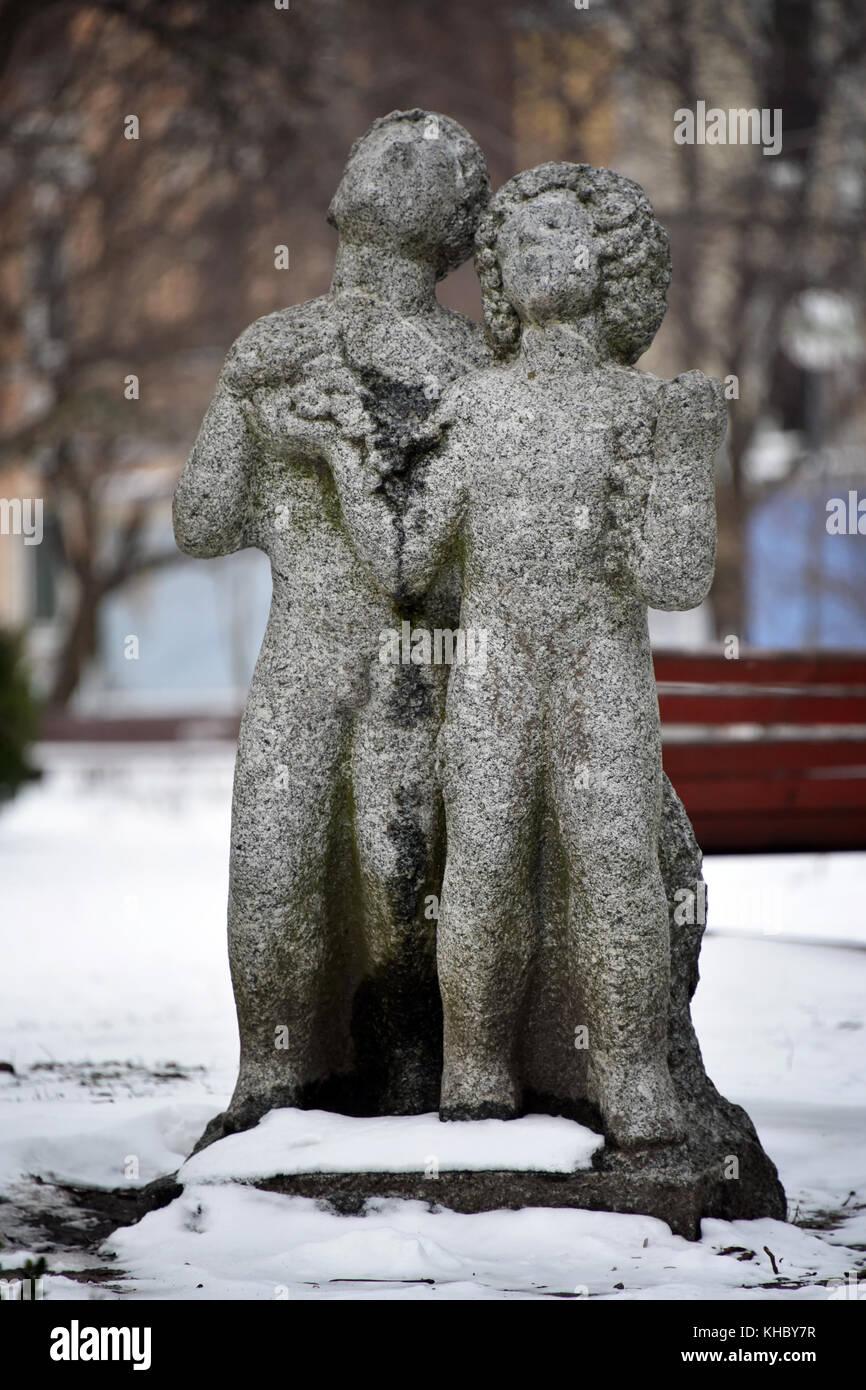 park sculpture garden snow stock photos u0026 park sculpture garden