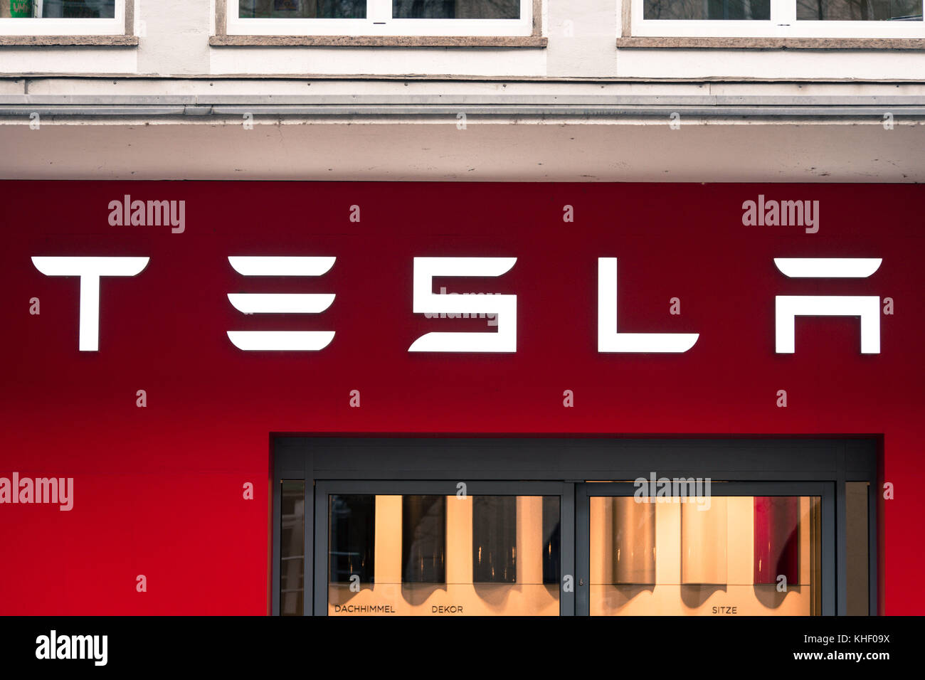 Solarcity stock photos solarcity stock images alamy munich bavaria germany 16th nov 2017 the sign of a tesla buycottarizona