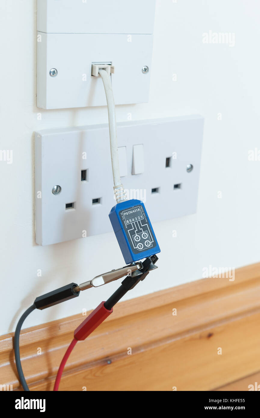 Testing electrical circuit continuity of broadband telephone wire ...
