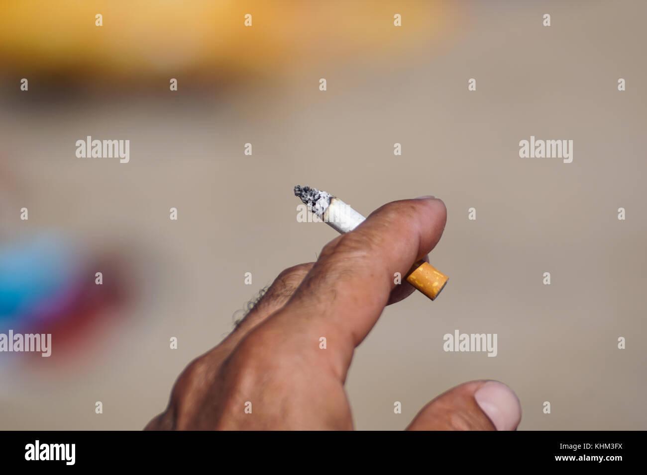 Sera bientot smoking butts trib