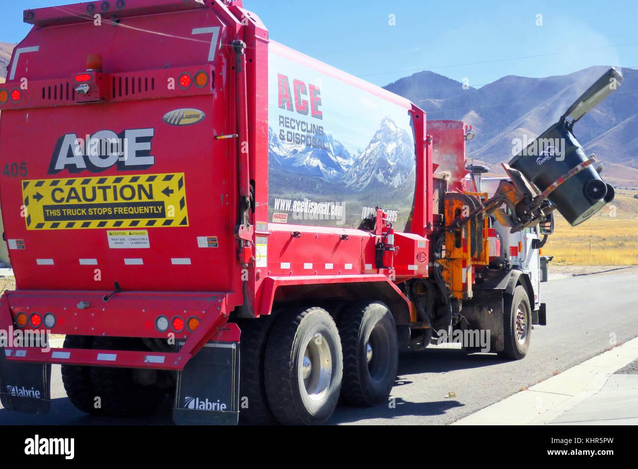Pick Up Trash Stock Photos Amp Pick Up Trash Stock Images