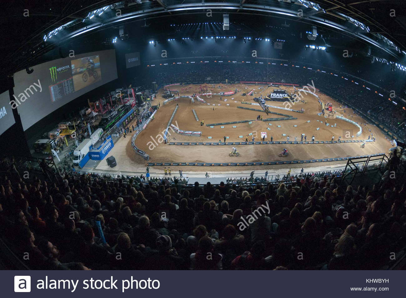Nanterre, France. 18th Nov, 2017. Riders compete during ...