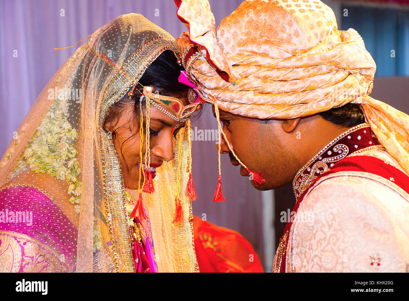 Indian Bride And Groom Hands Stock Photos & Indian Bride ...