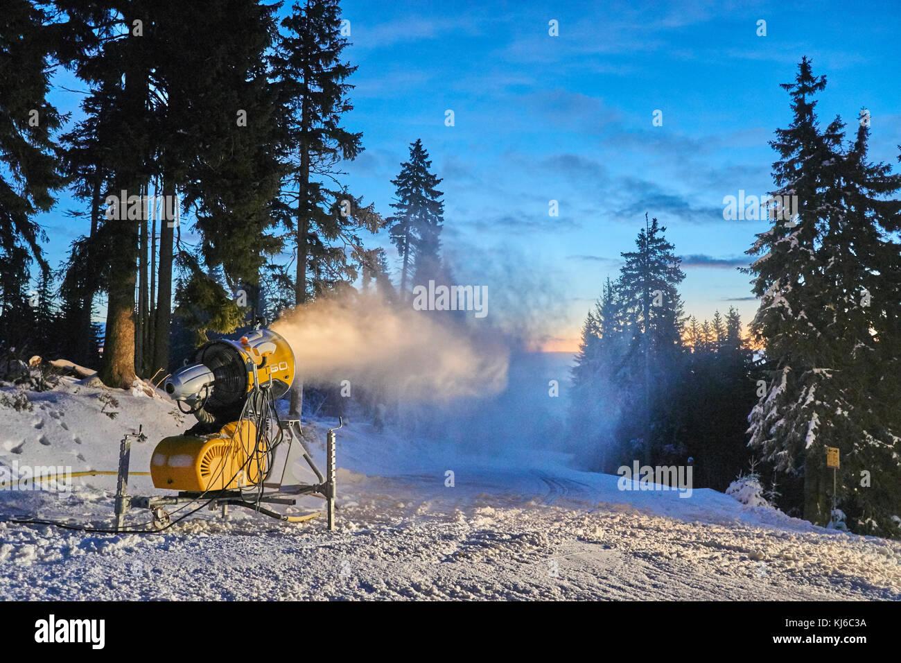 skiresort cerna hora - pec, black mountain stock photo: 166098334