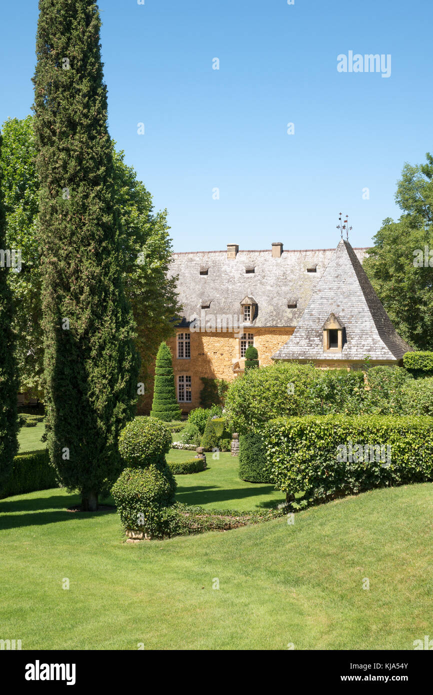 Manoir stock photos manoir stock images alamy - Jardin du manoir d eyrignac ...