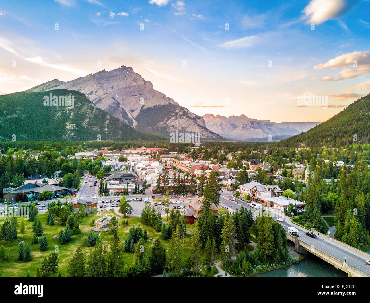 Banff Town Alberta Stock Photos Amp Banff Town Alberta Stock Images Alamy
