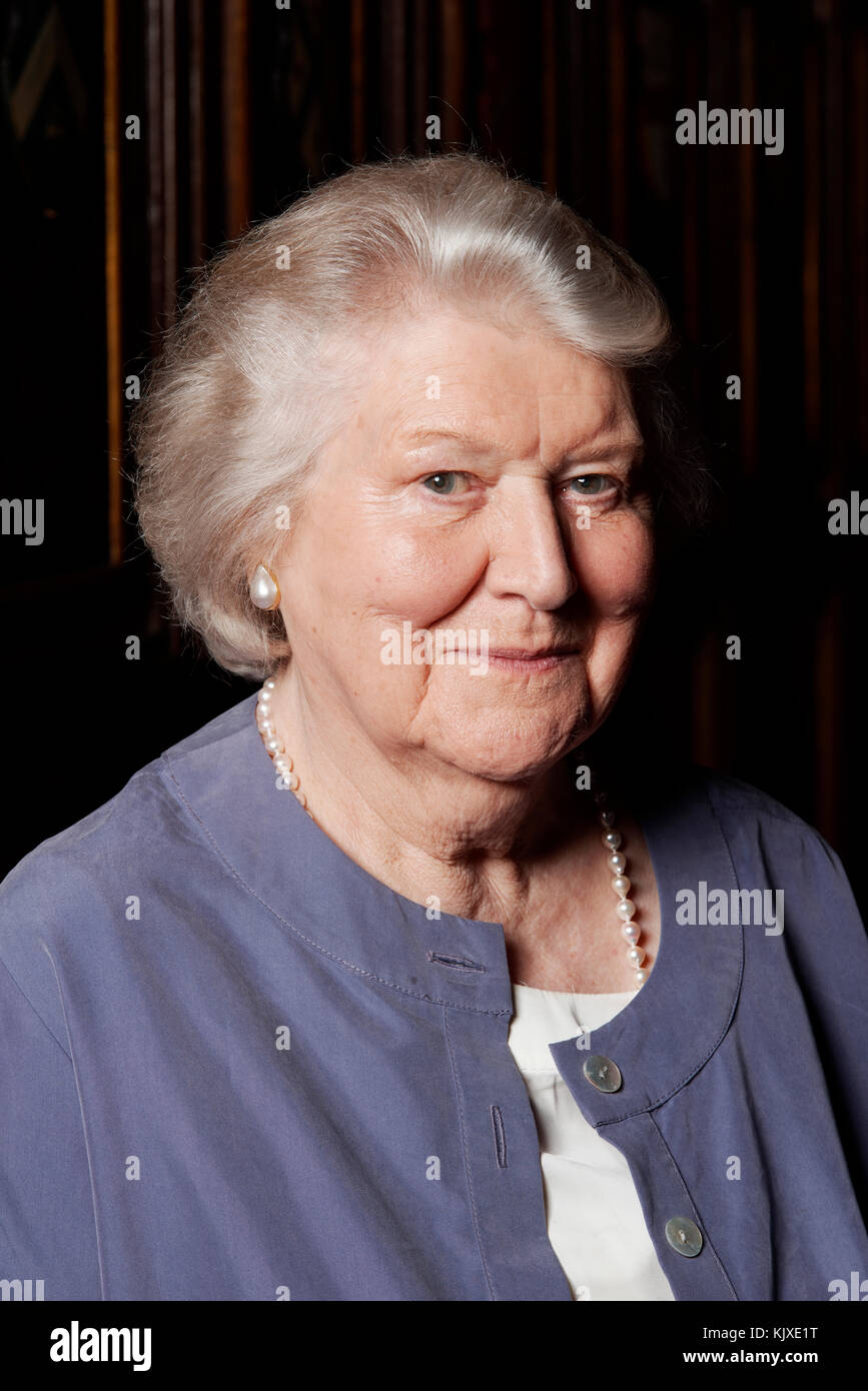 legs Patricia Routledge naked photo 2017