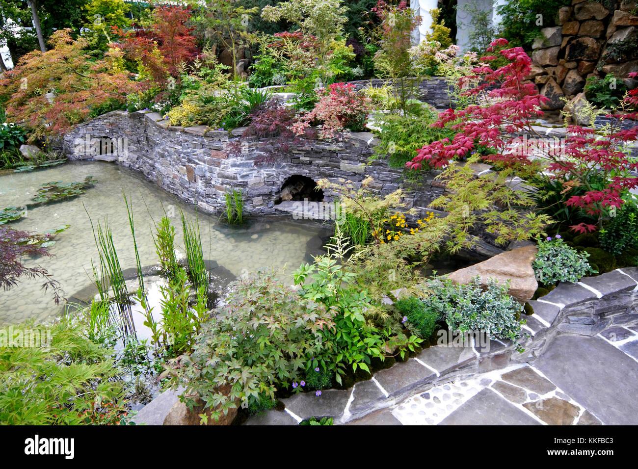 Japanese Water Garden Design - [peenmedia.com]