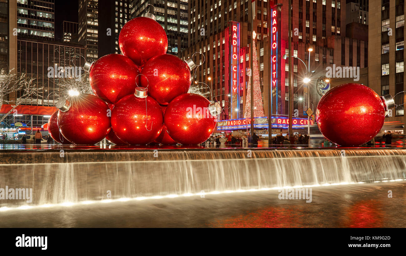 Giant red Christmas ornaments on 6th Avenue with holiday season ...