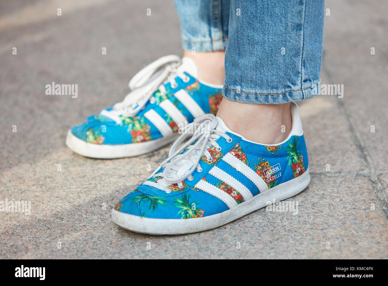 124d3a97b4e Pineapples 23 Milan Woman Adidas Blue Shoes With September vn8q7O