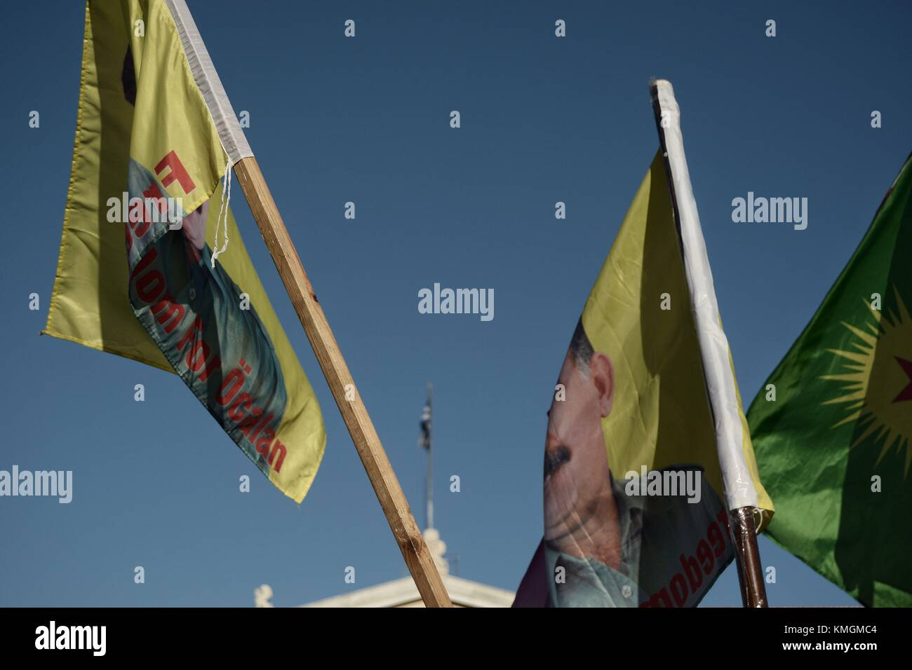 Athens, Greece. 7th Dec, 2017. Kurds hold flags during the protest ...