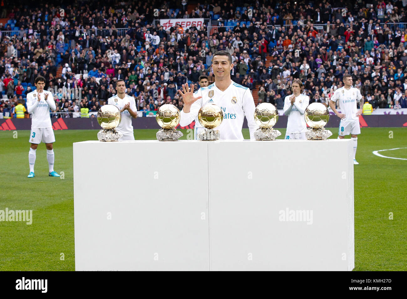 Who will receive the Golden Ball in 2017 Discuss