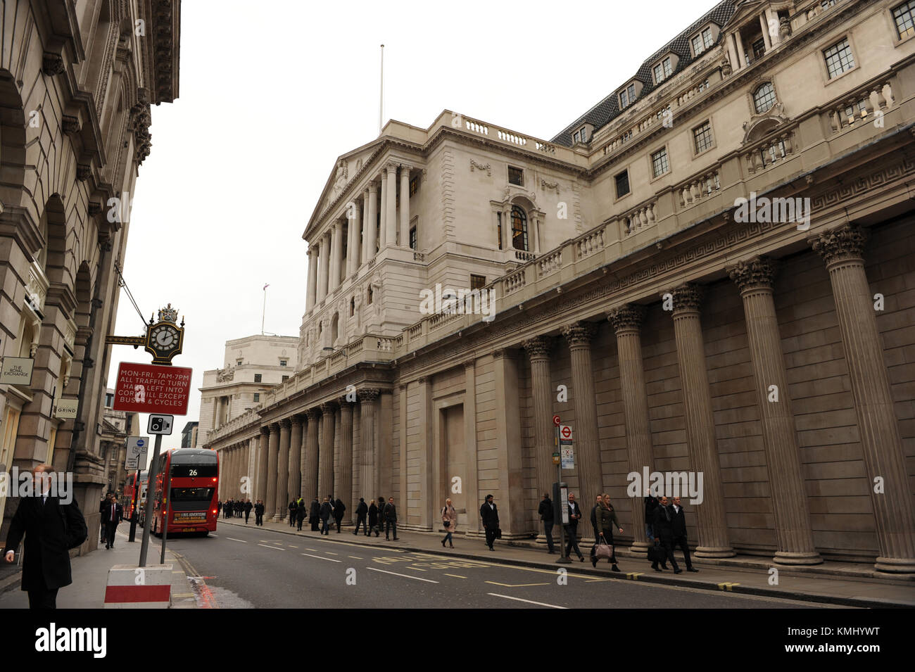 Forex exchange queen street